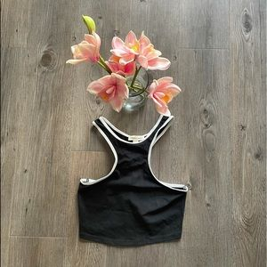UO / SILENCE AND NOISE/ T SHAPED TANK